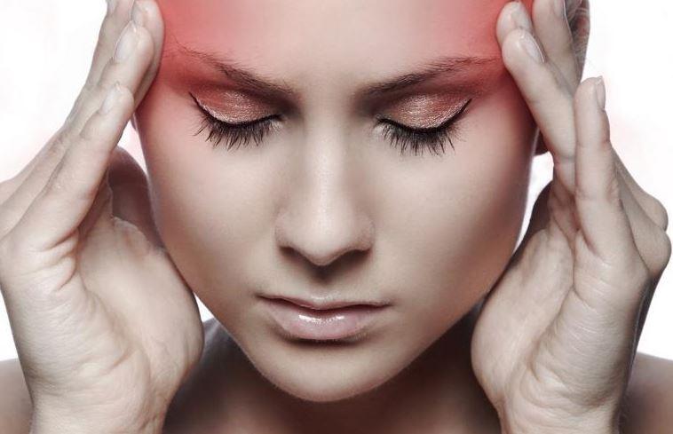 Presión sinusal y dolor en la parte posterior de la cabeza